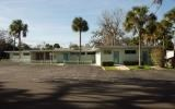 GREAT BUSINESS OPPORTUNITY TO PURCHASE THIS LARGE BUILDING