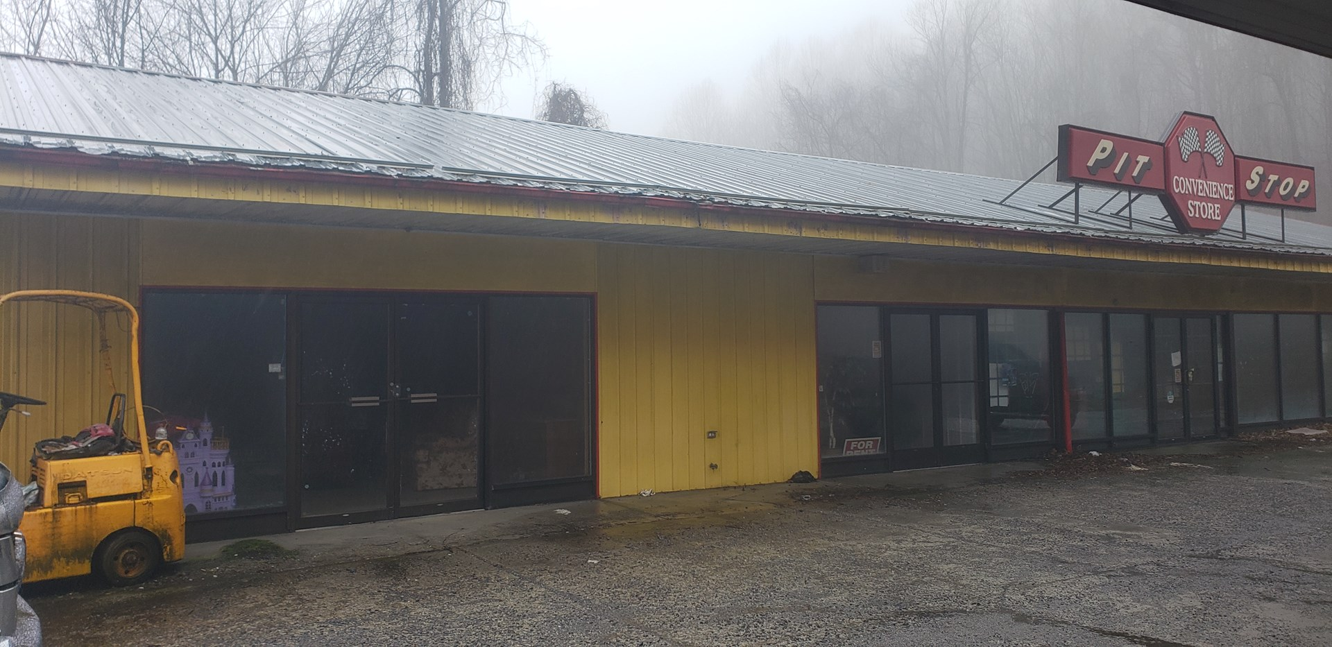 3600 sq ft Commercial Investment Property in Tazewell VA