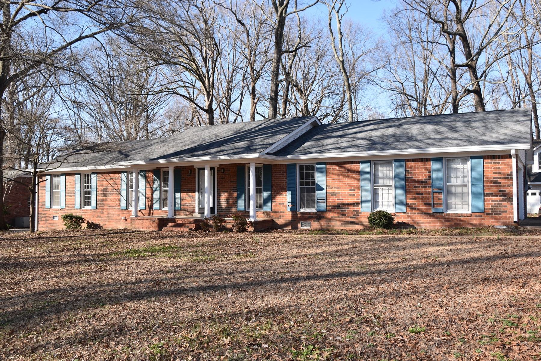 Home For Sale in Northwest Jackson, 3Br 2 Ba. Large Backyard