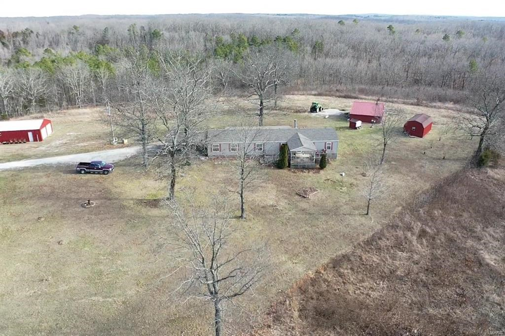 Missouri Country Home near Salem on 39.70 acres