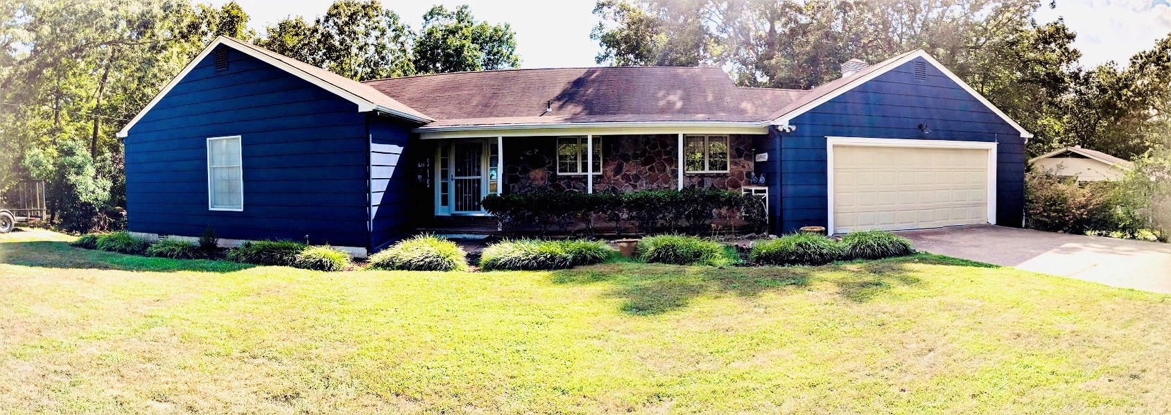 LAKE HOME FOR SALE IN HORSESHOE BEND, AR!