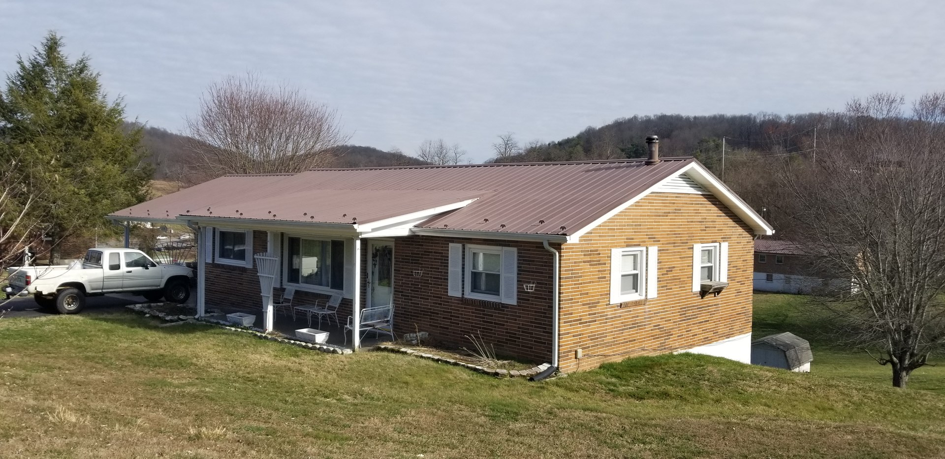 Nice 3 Bedroom 2 Bath Brick Ranch, Chilhowie, VA!
