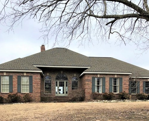 BEAUTIFUL AND IMMACULATE HOME JUST OUTSIDE OF TOWN!