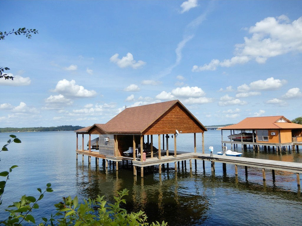 WATERFRONT LOT FOR SALE | BOATHOUSE | LAKE PALESTINE