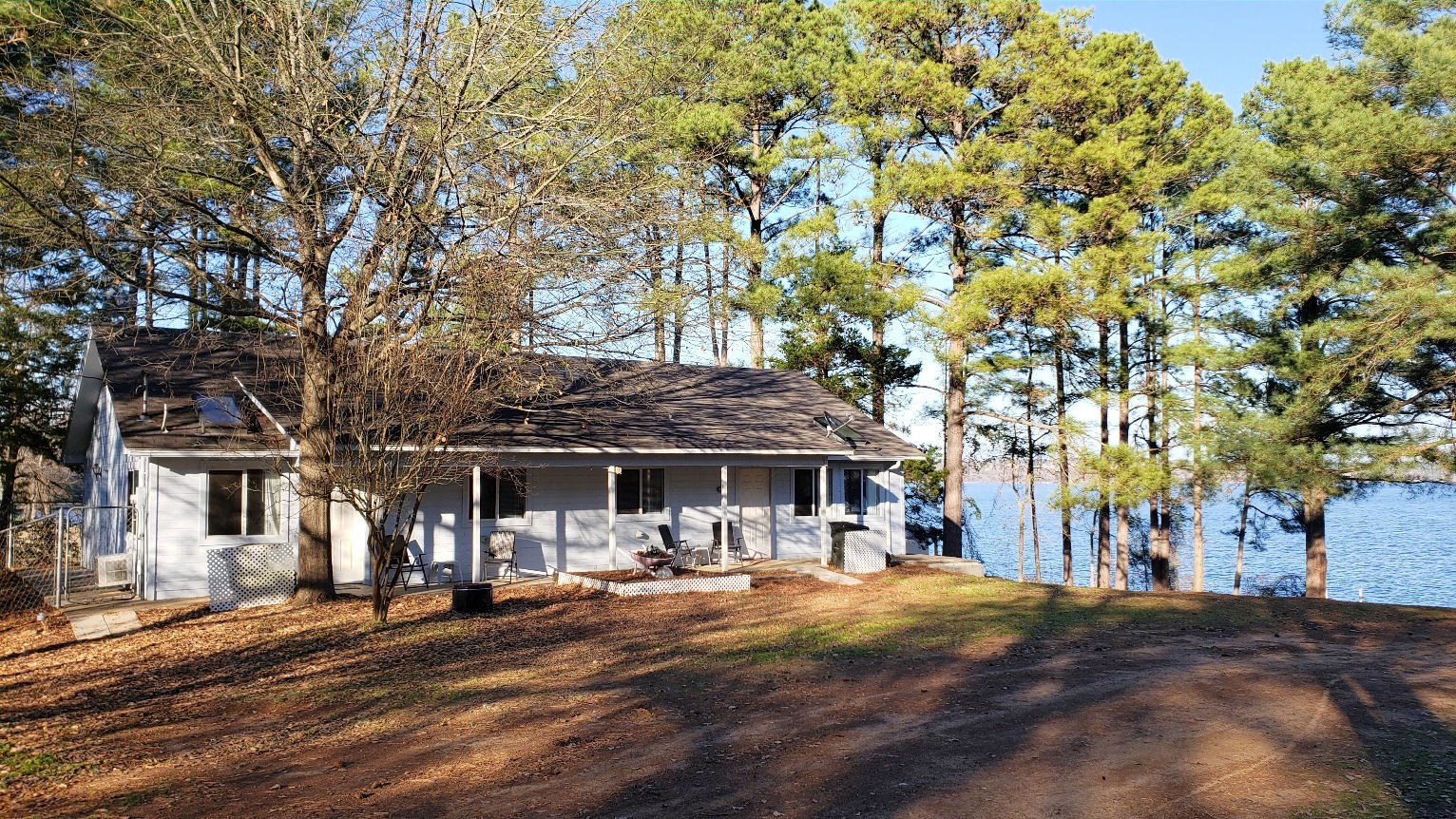 WATERFRONT HOME FOR RENT LAKE PALESTINE | DUPLEX FOR RENT
