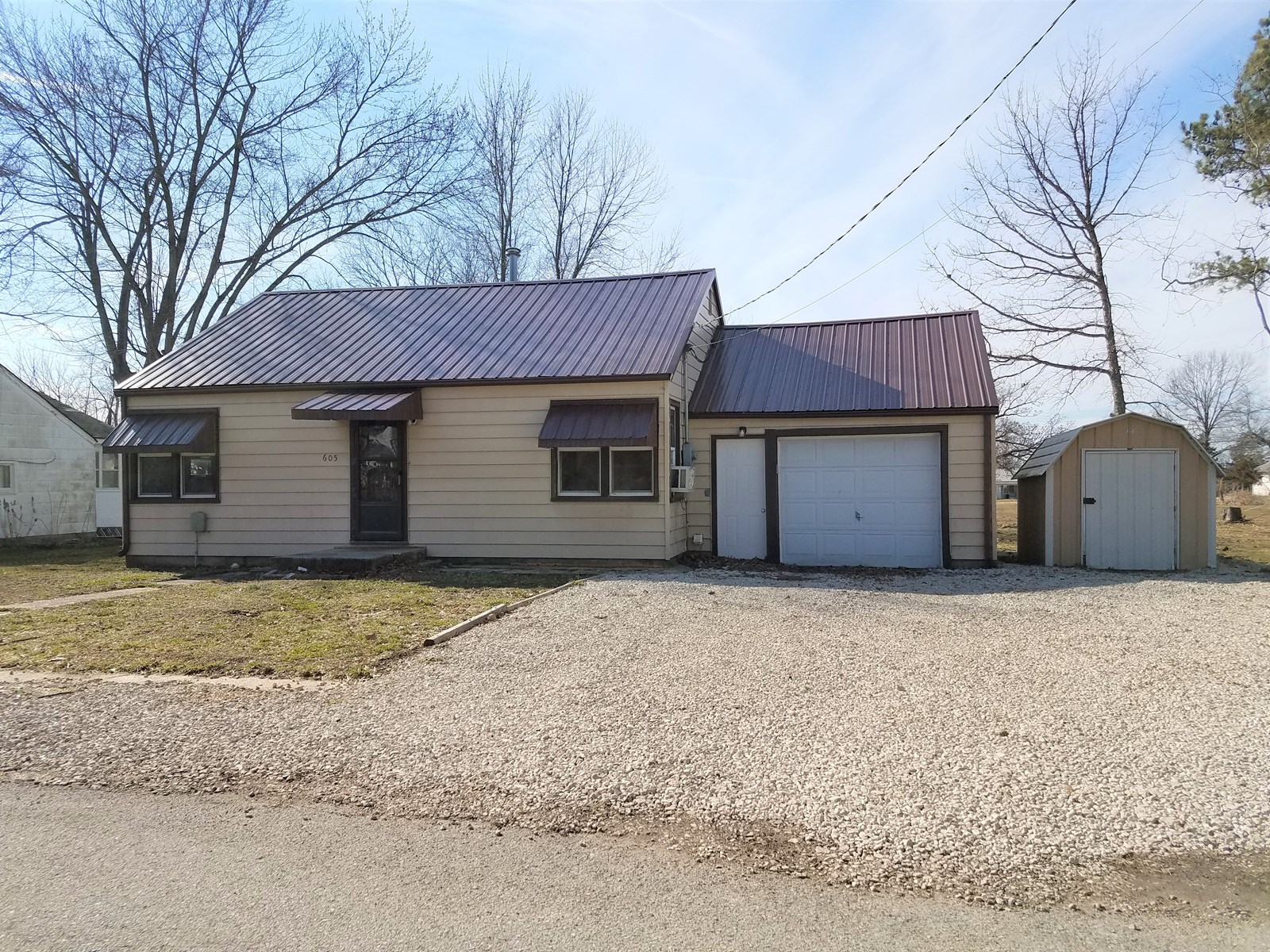 Move in ready home in small rural town in Missouri!