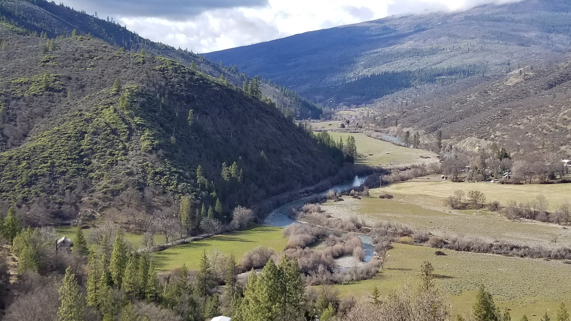Northern California Klamath River Land for Sale - Fishing!