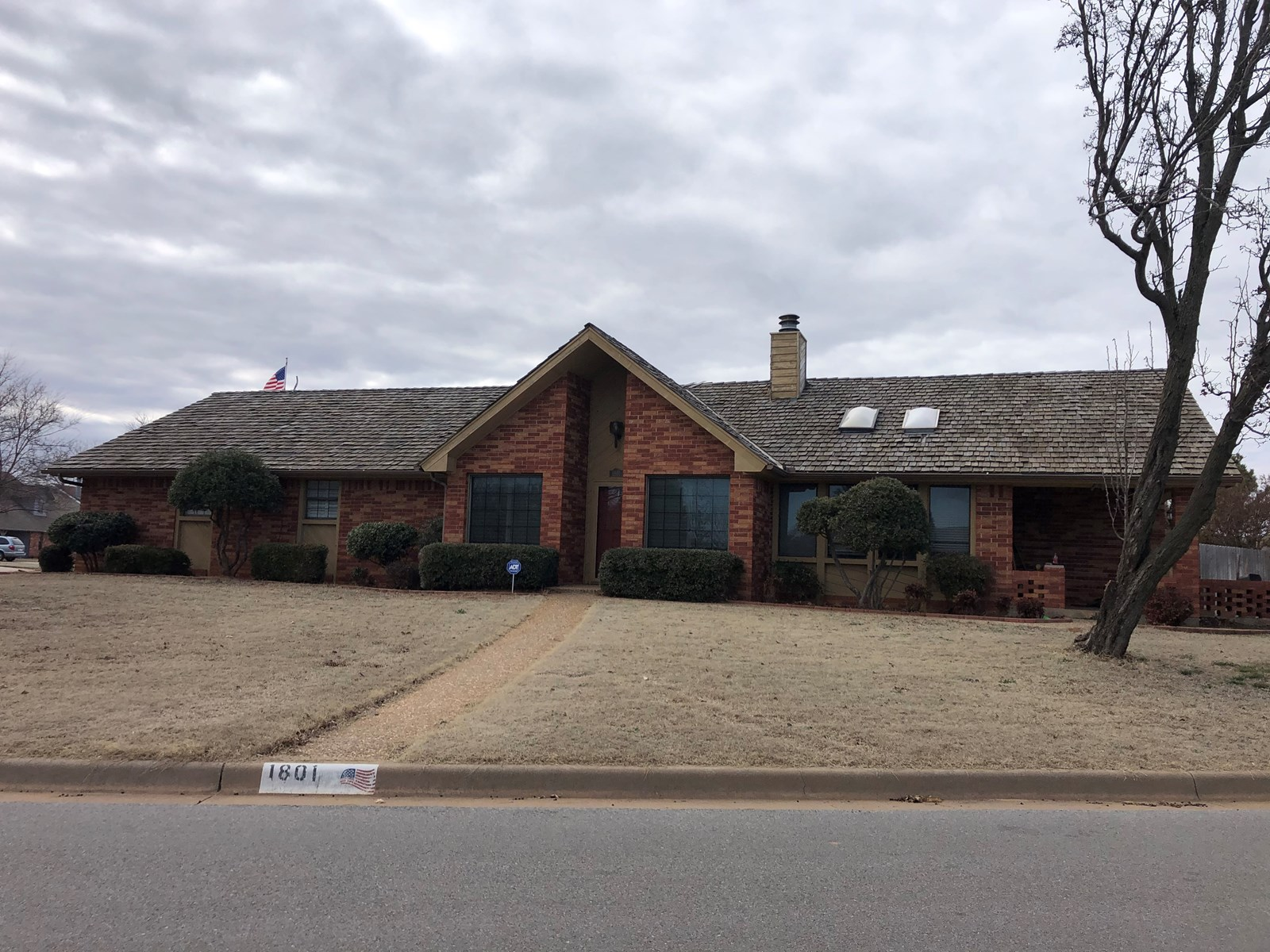 House on Corner lot for sale in Weatherford