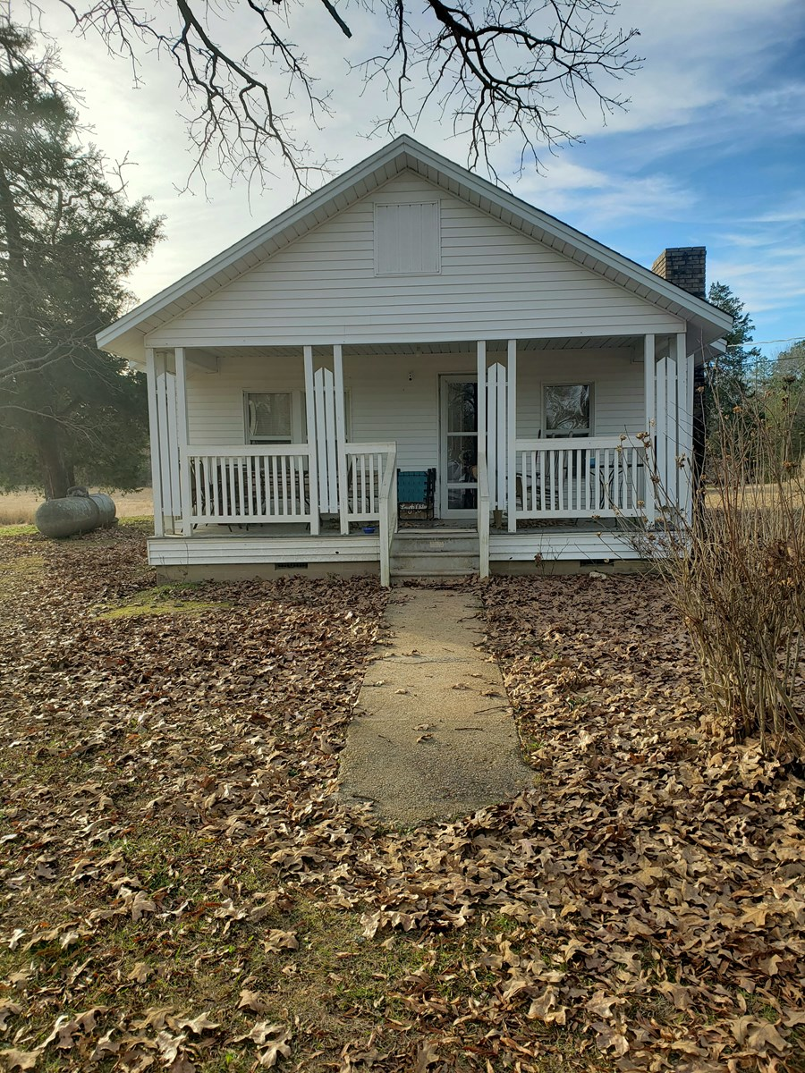 Rural Country Home w/ Pasture for Sale near Harmony Grove, A