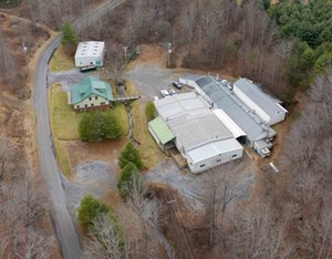 COMMERCIAL BUILDING FOR SALE IN FLOYD VA