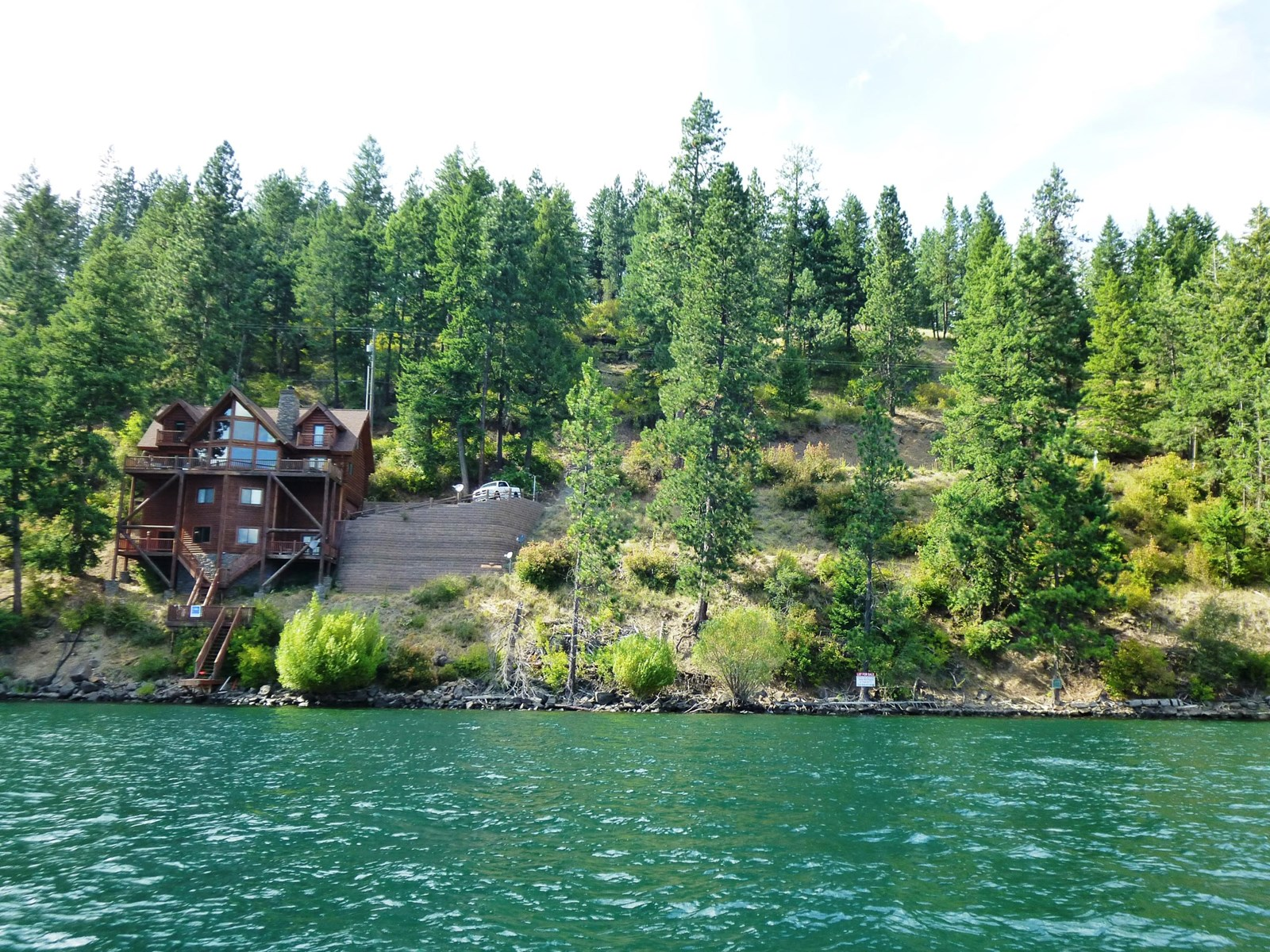Build your Lake Front Dream home here!