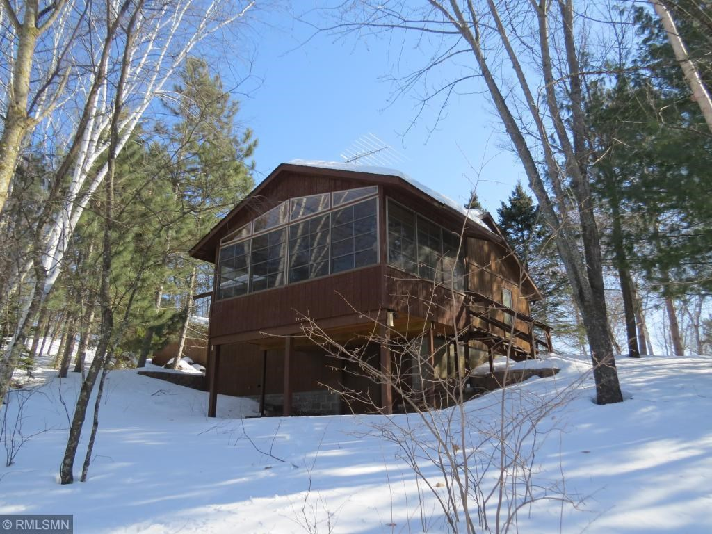 MN Year-Round Cabin on 1+Acre with Lake Frontage on Mud Lake