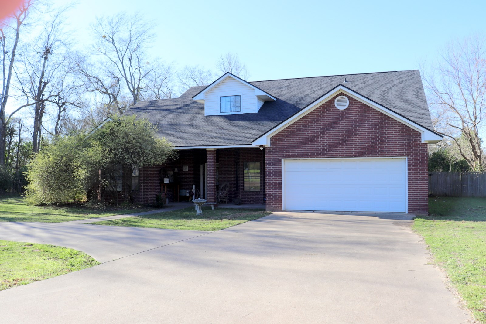 LARGE BRICK HOME WOOD COUNTY - QUITMAN, TEXAS FOR SALE