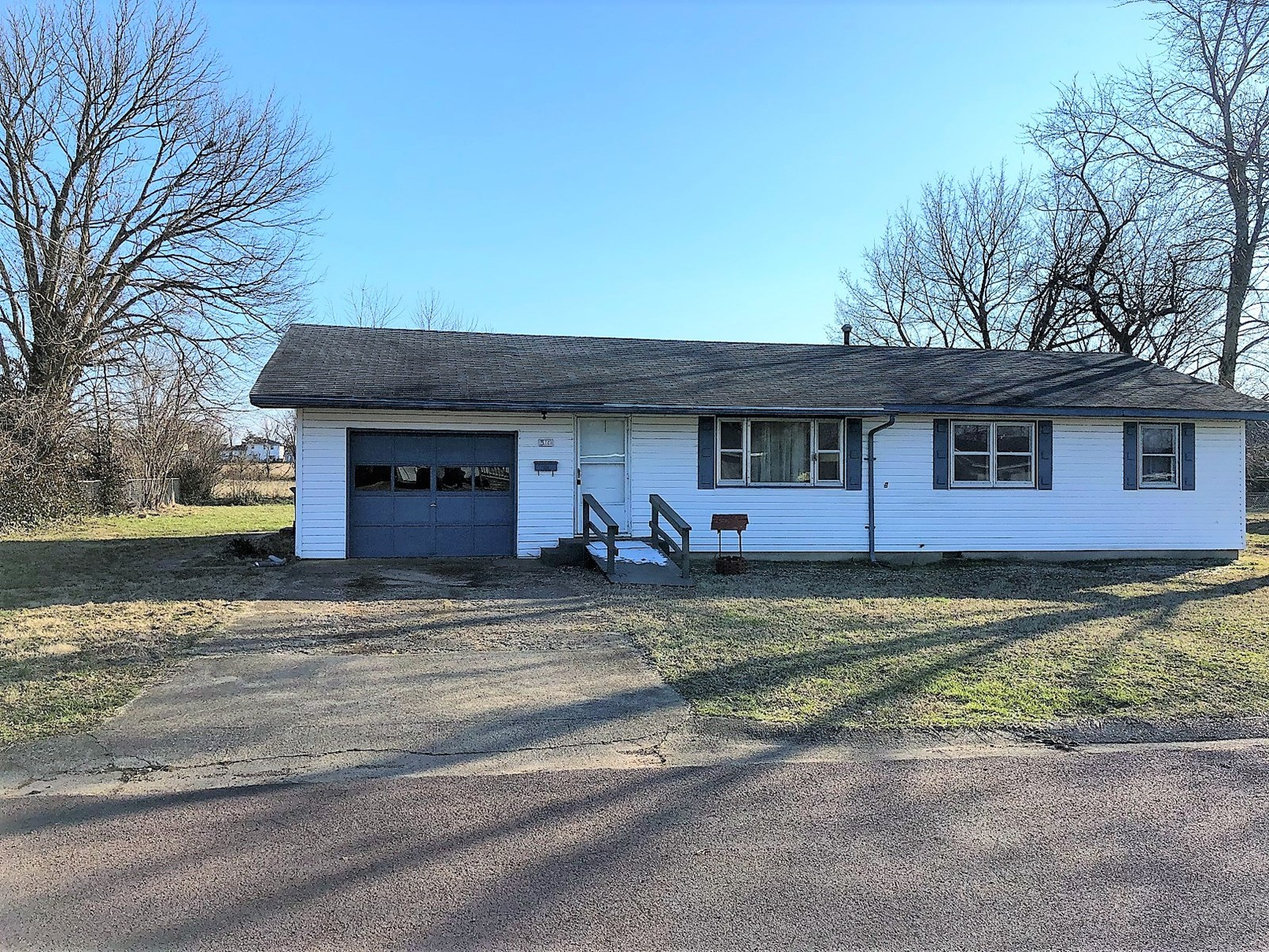 House for Sale in South Central Missouri Ozarks Town