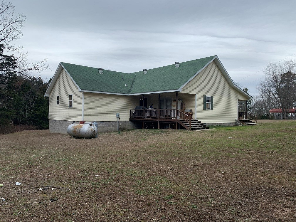 3 BEDROOM 2 BATH HOME WITH 10 ACRES  NEAR LAKE NORFORK
