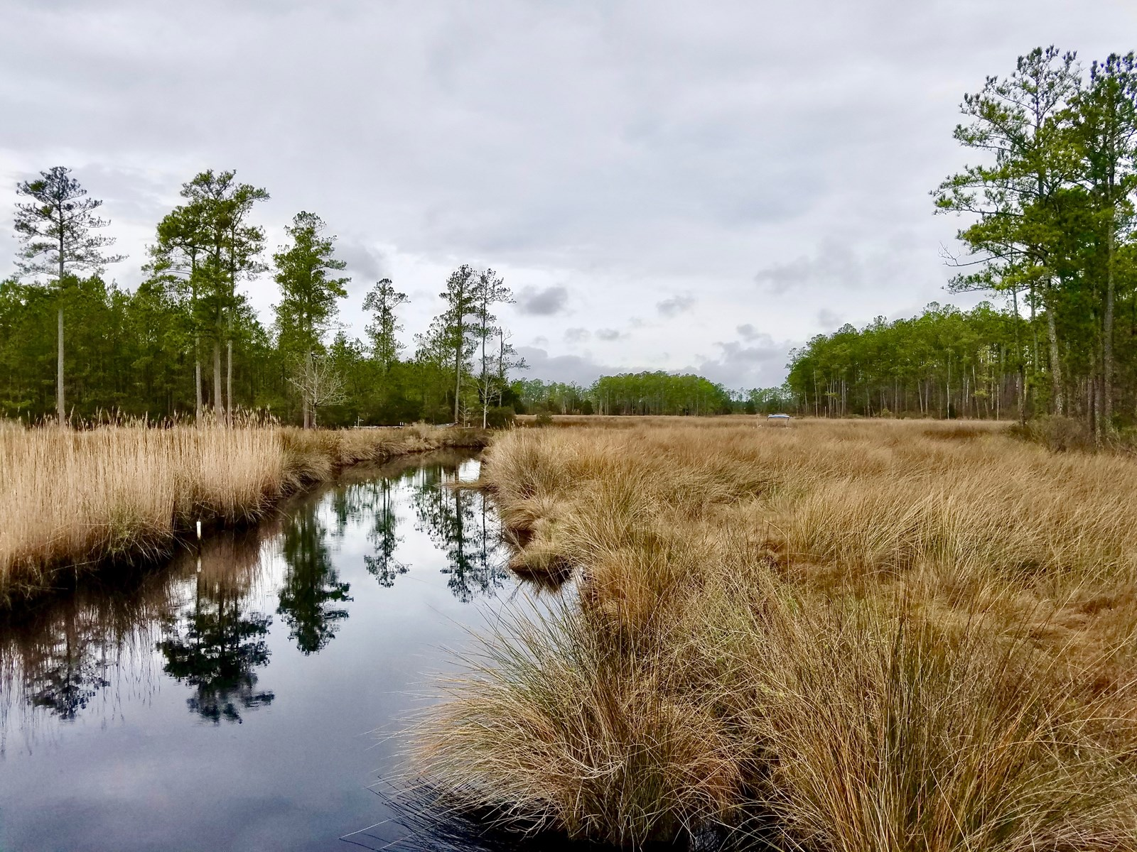 Waterfront lot for sale in Beaufort County, NC