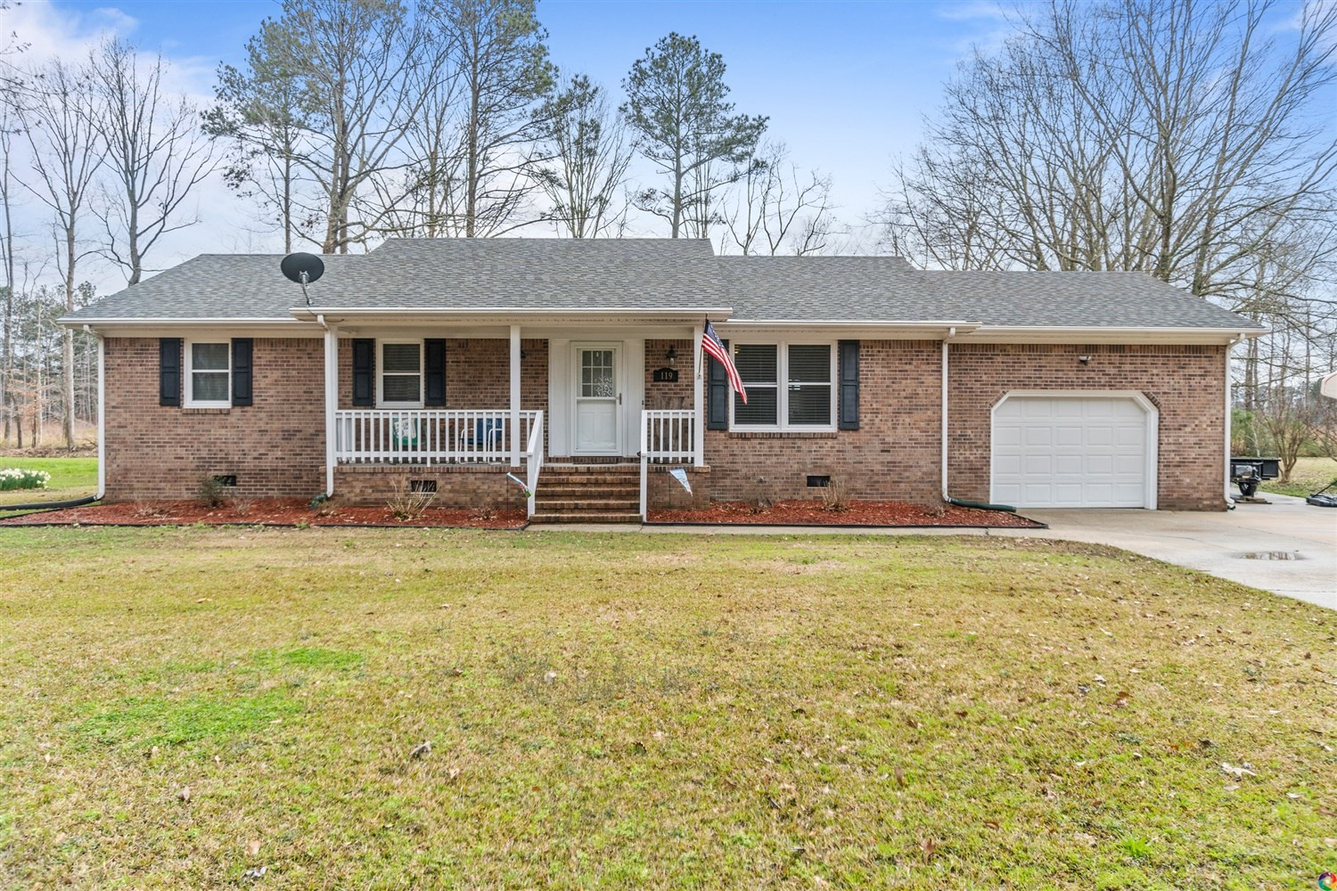 Beautiful 3 Bedroom Brick Ranch