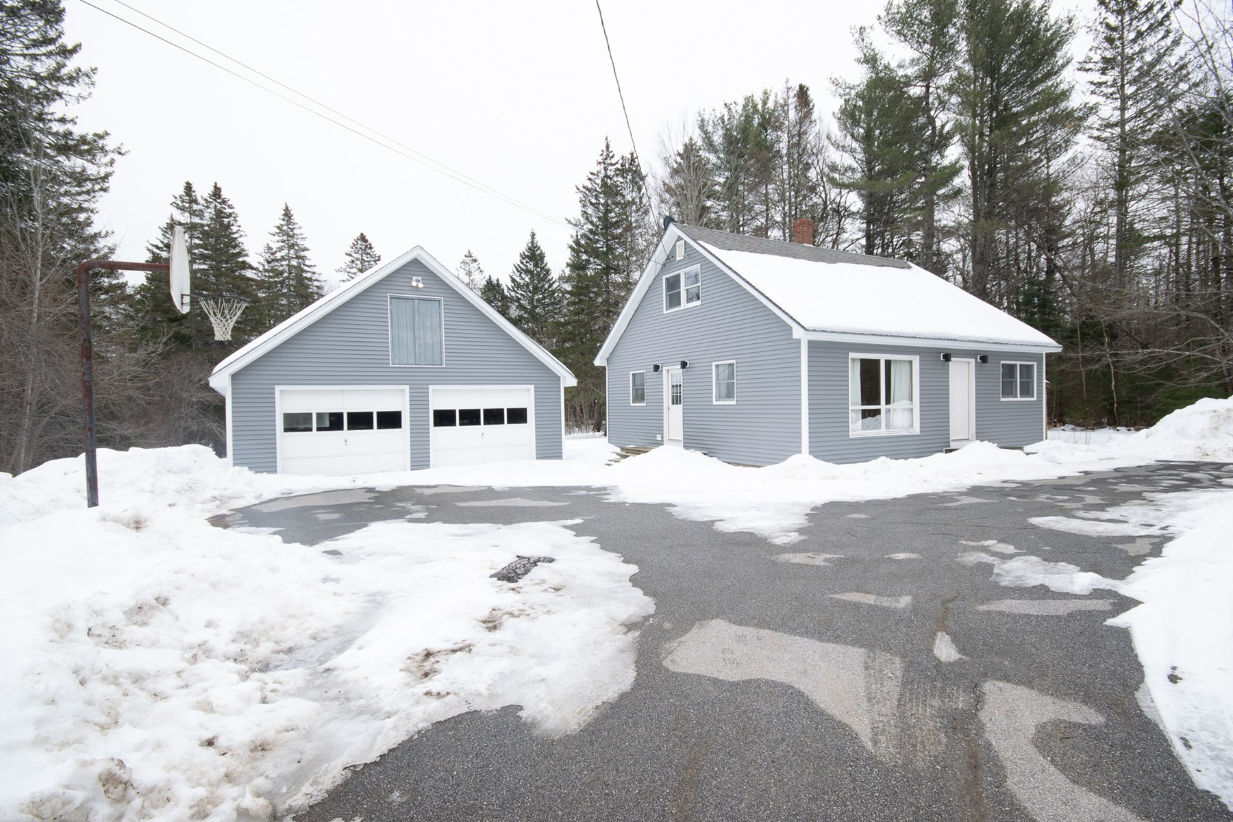 Country Home for sale in Hampden, Maine