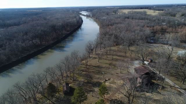 River-front, Country Home in St. Clair County, MO