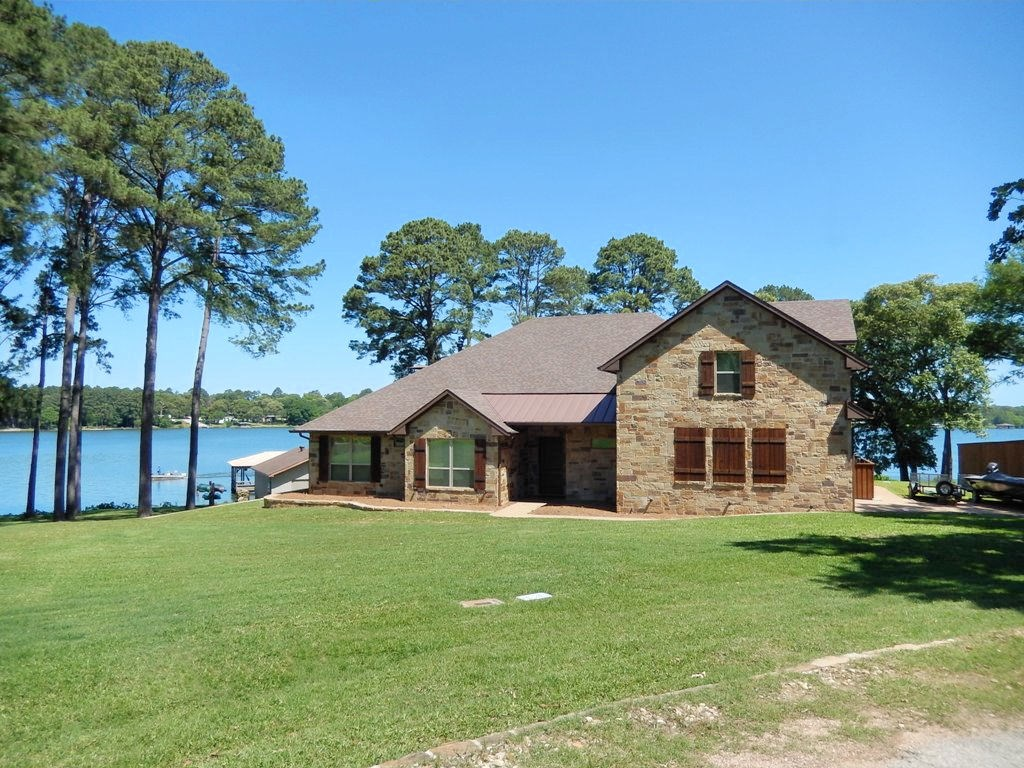 LUXURY WATERFRONT HOME FOR SALE ON LAKE PALESTINE  EAST TX