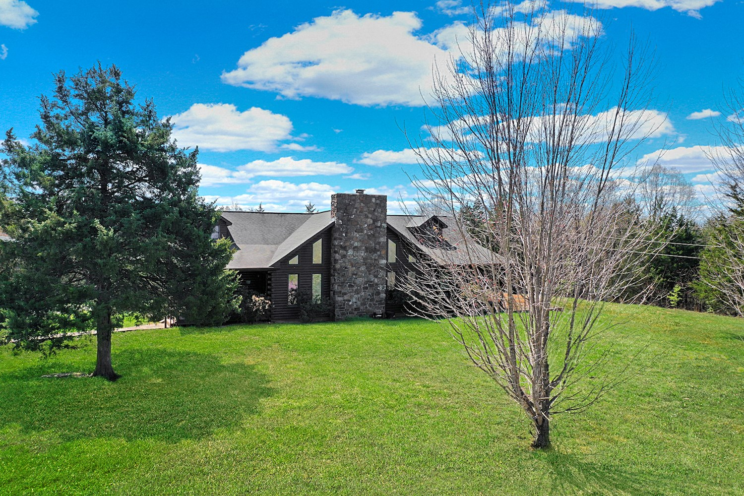 Country Home for Sale in Oregon County, MO