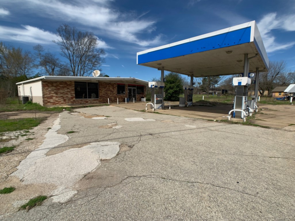 RETAIL BUILDING, C-STORE FOR SALE HWY 271 TYLER