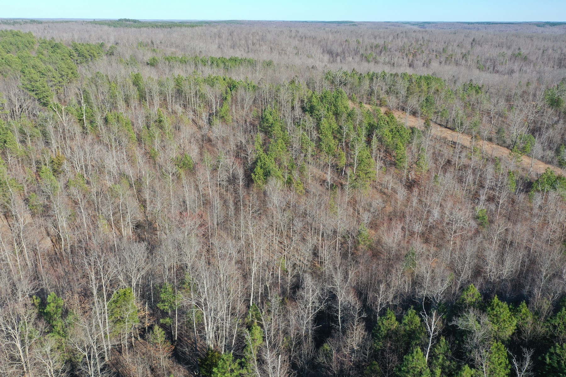 Prime Hunting property located in Perry County Tennessee.