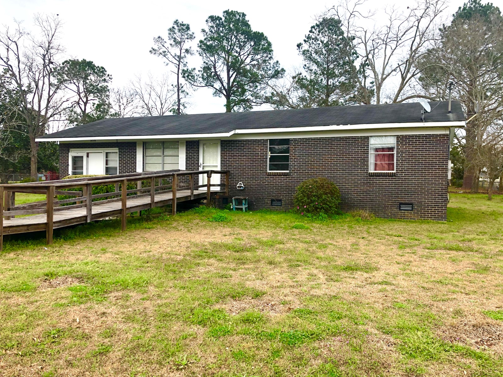 Home for sale in the town of Slocomb, AL