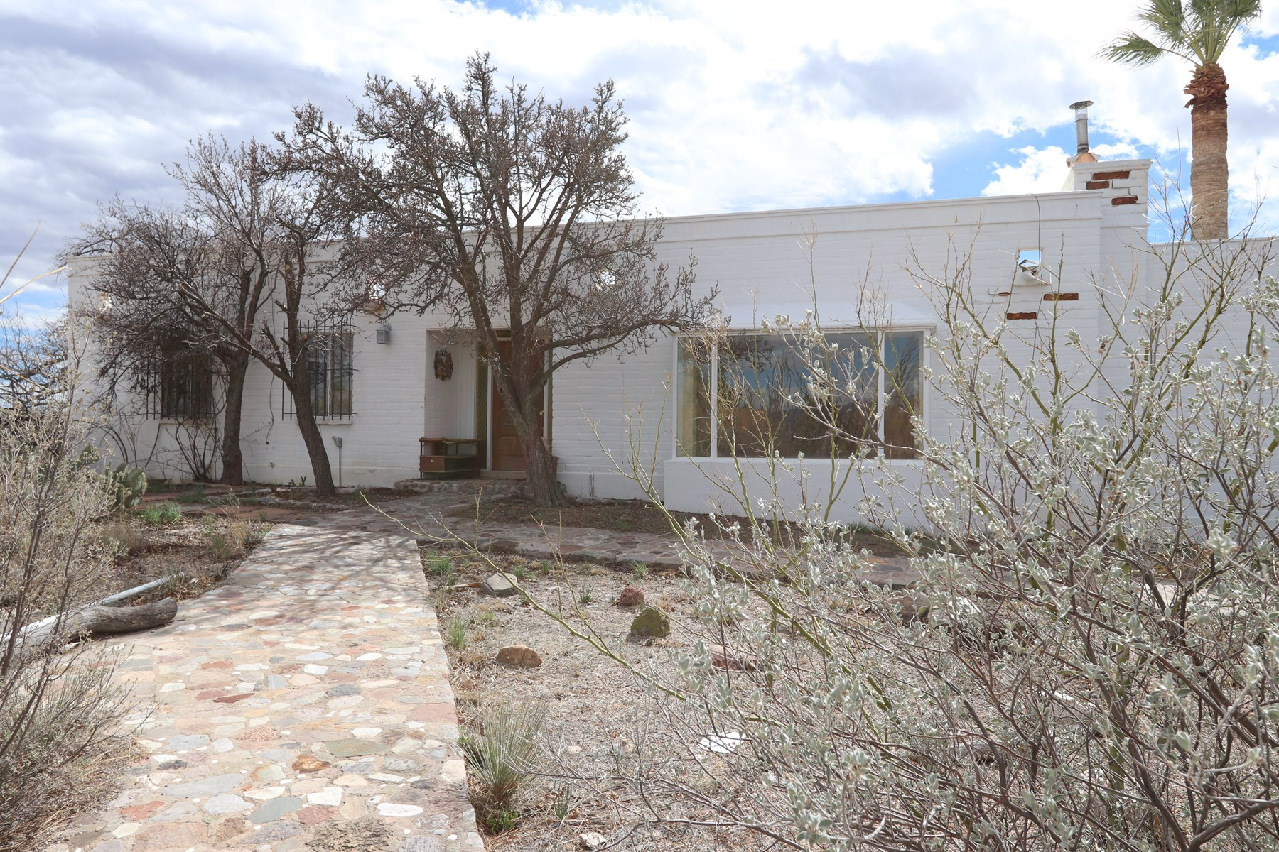 Large 2401 Sq Ft house for sale in Historic Tombstone, AZ.