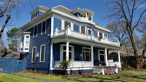 HISTORIC HOME FOR SALE PALESTINE TX | BED & BREAKFAST