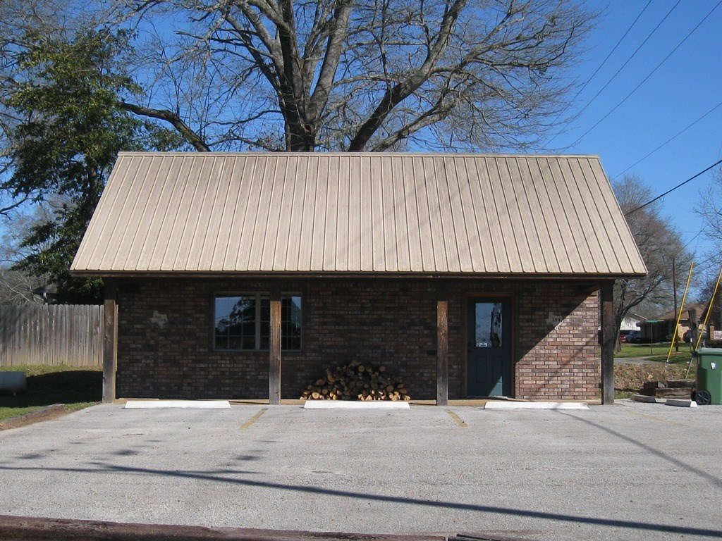 COMMERCIAL BUILDING FOR SALE FRANKSTON TX | EAST TX