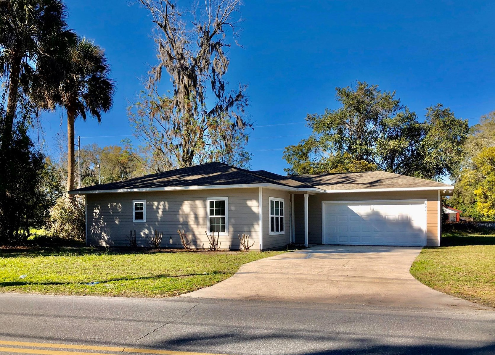 FOR SALE - Perfect 2/2 Starter Home in Lake City, Florida
