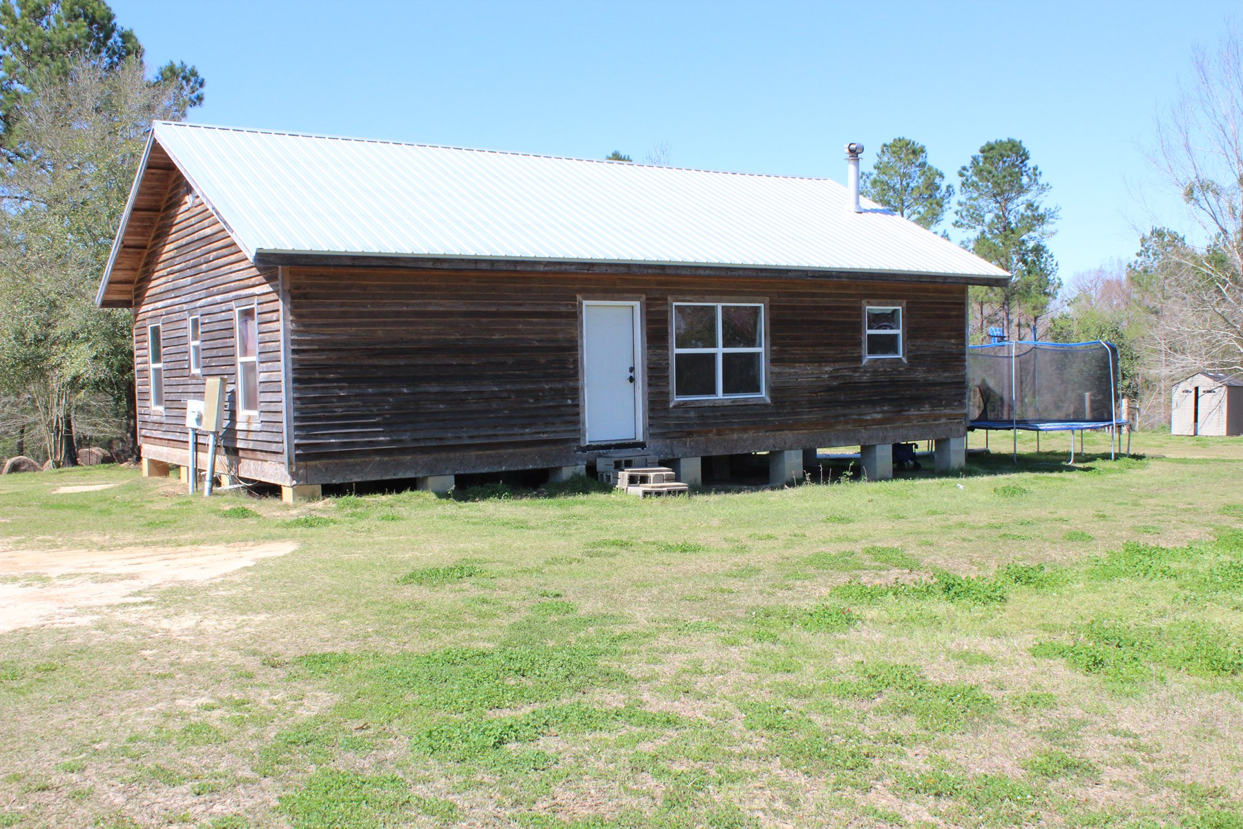 Cabin with land for sale near Dothan, Al