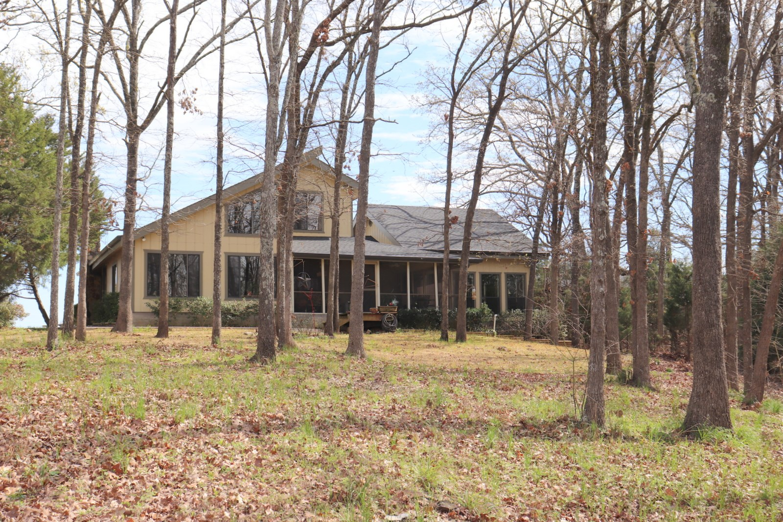 LAKE FORK FURNISHED WATERFRONT HOME - 3+ ACRES - ALBA, TEXAS