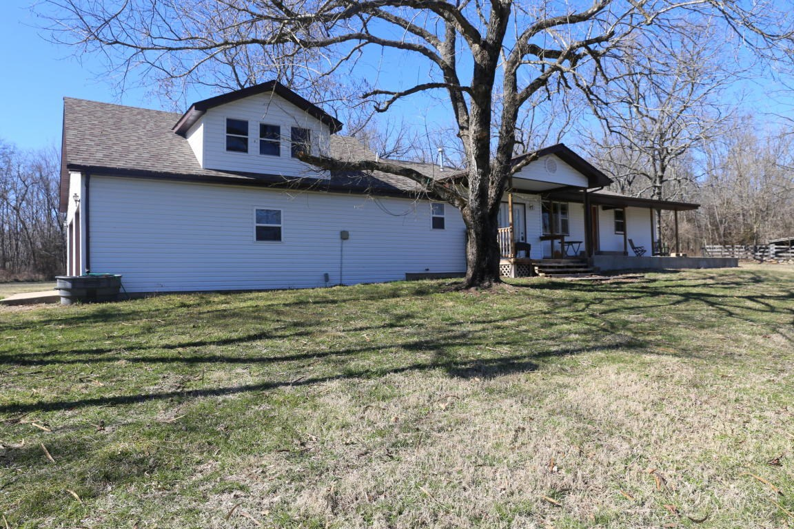 Country Home with Acreage Close to West Plains Missouri