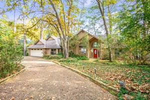 HOLLY LAKE RANCH WATERFRONT HOME - WOOD COUNTY TEXAS