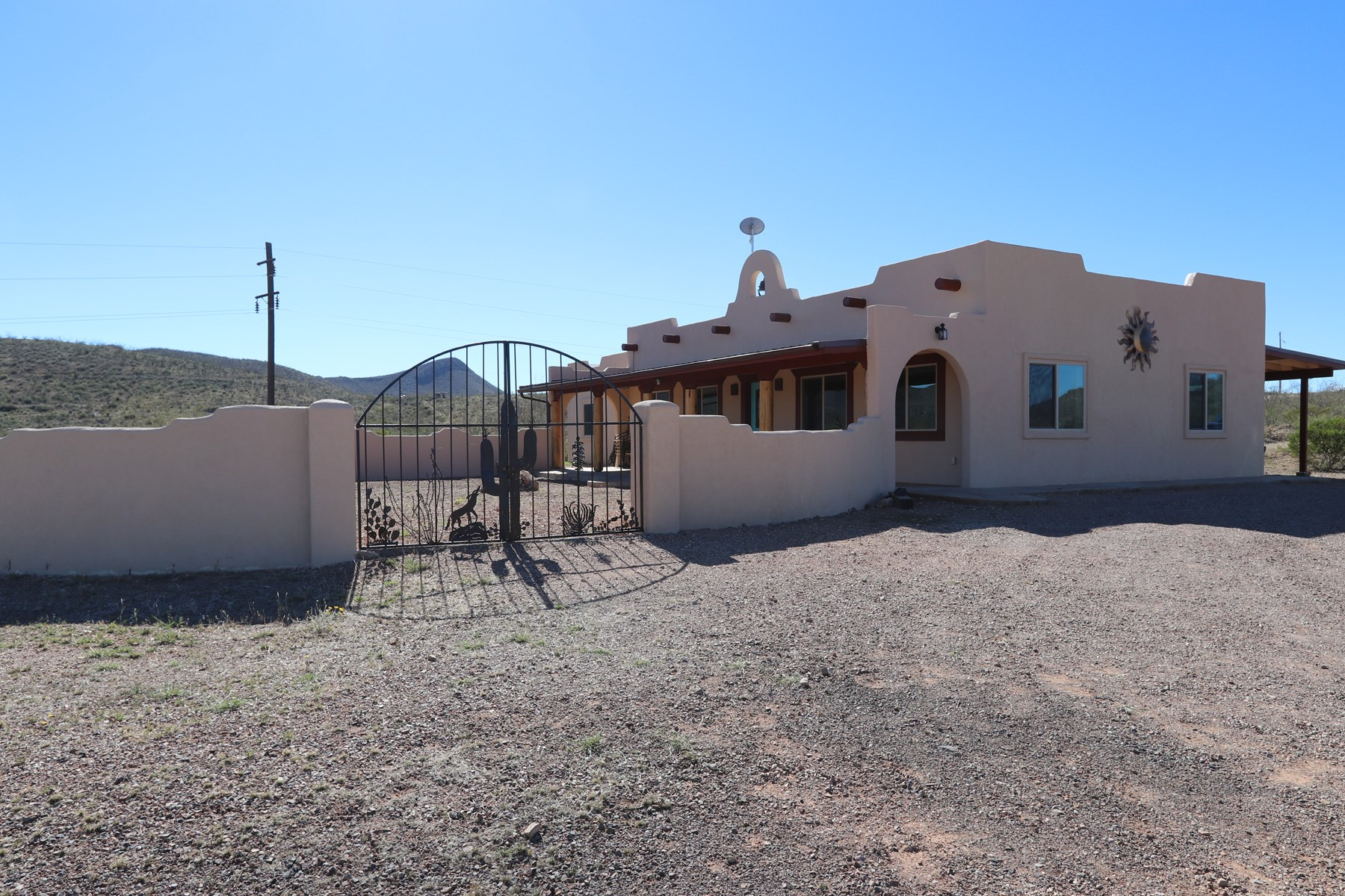 Custom Southwest Mission style house   5+ acres in Tombstone