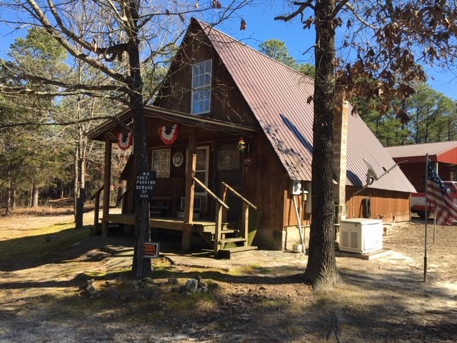 A FRAME HOME FOR SALE IN DOLPH, ARKANSAS