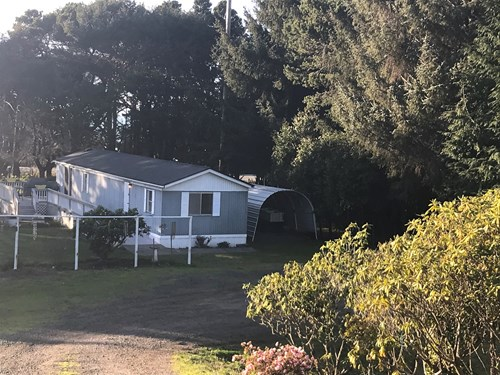 Ocean view home in Gold Beach, OR for Sale