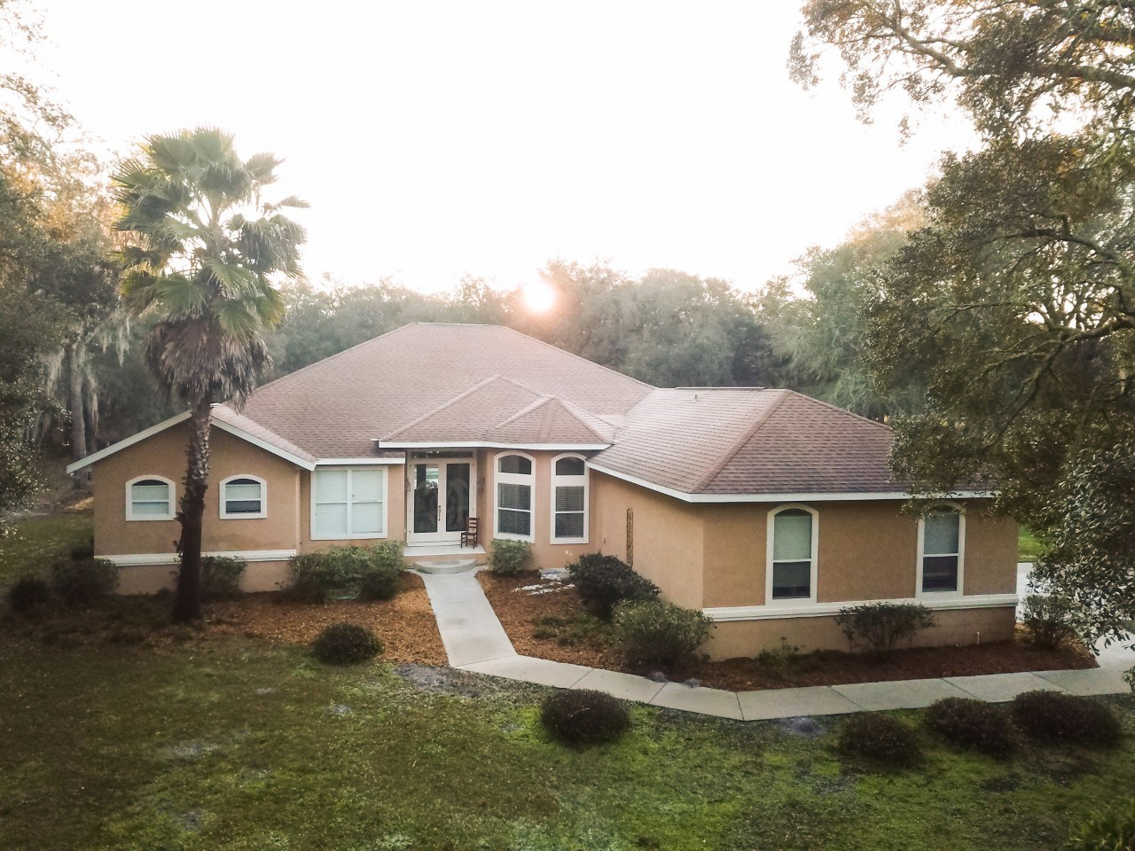 LARGE HOME WITH POOL & GUESTHOUSE - CHIEFLAND FLORIDA