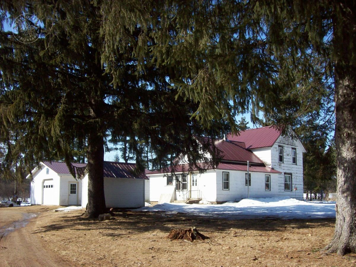 Farmstead in Waushara County WI for Sale