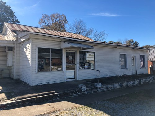 Commercial Building for Sale - 401 W Main St, Louisville, MS