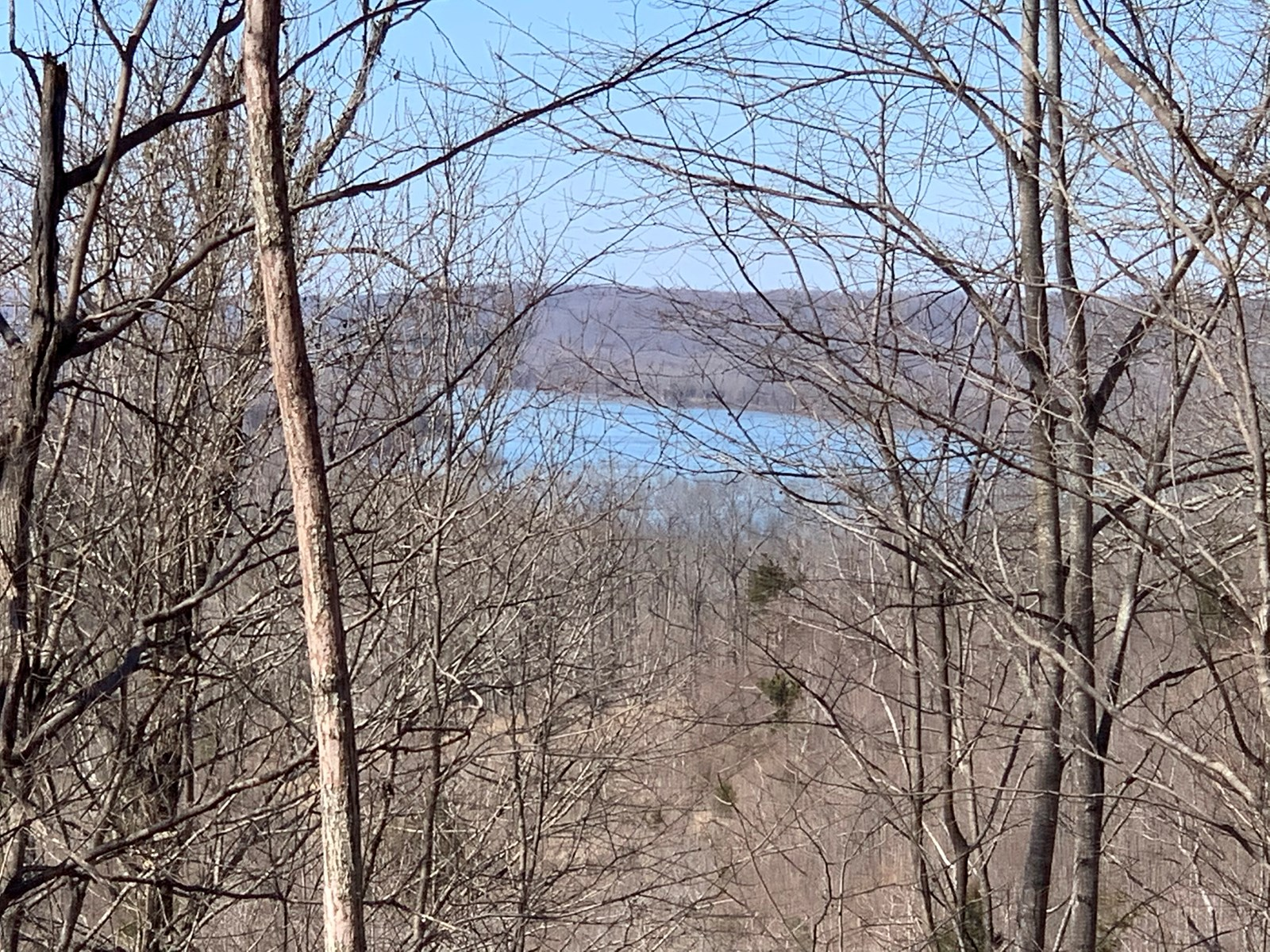 PRIVATE TN LAND FOR SALE WITH RIVER VIEWS AND DEER HUNTING