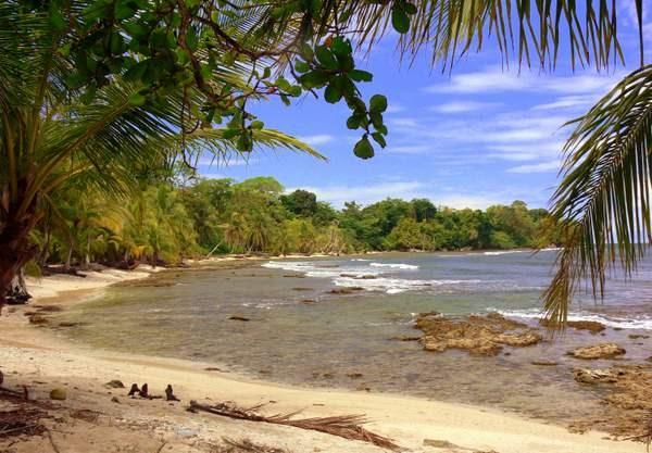 Titled beachfront land, Isla Carenero, Bocas del Toro, Pan