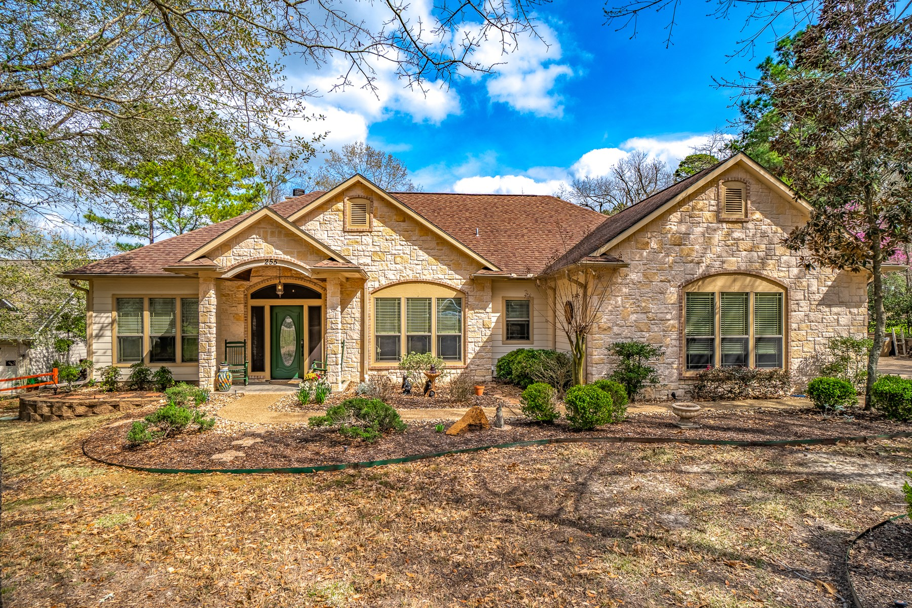 GOLF COURSE HOME HOLLY LAKE RANCH TEXAS - EAST OF DALLAS