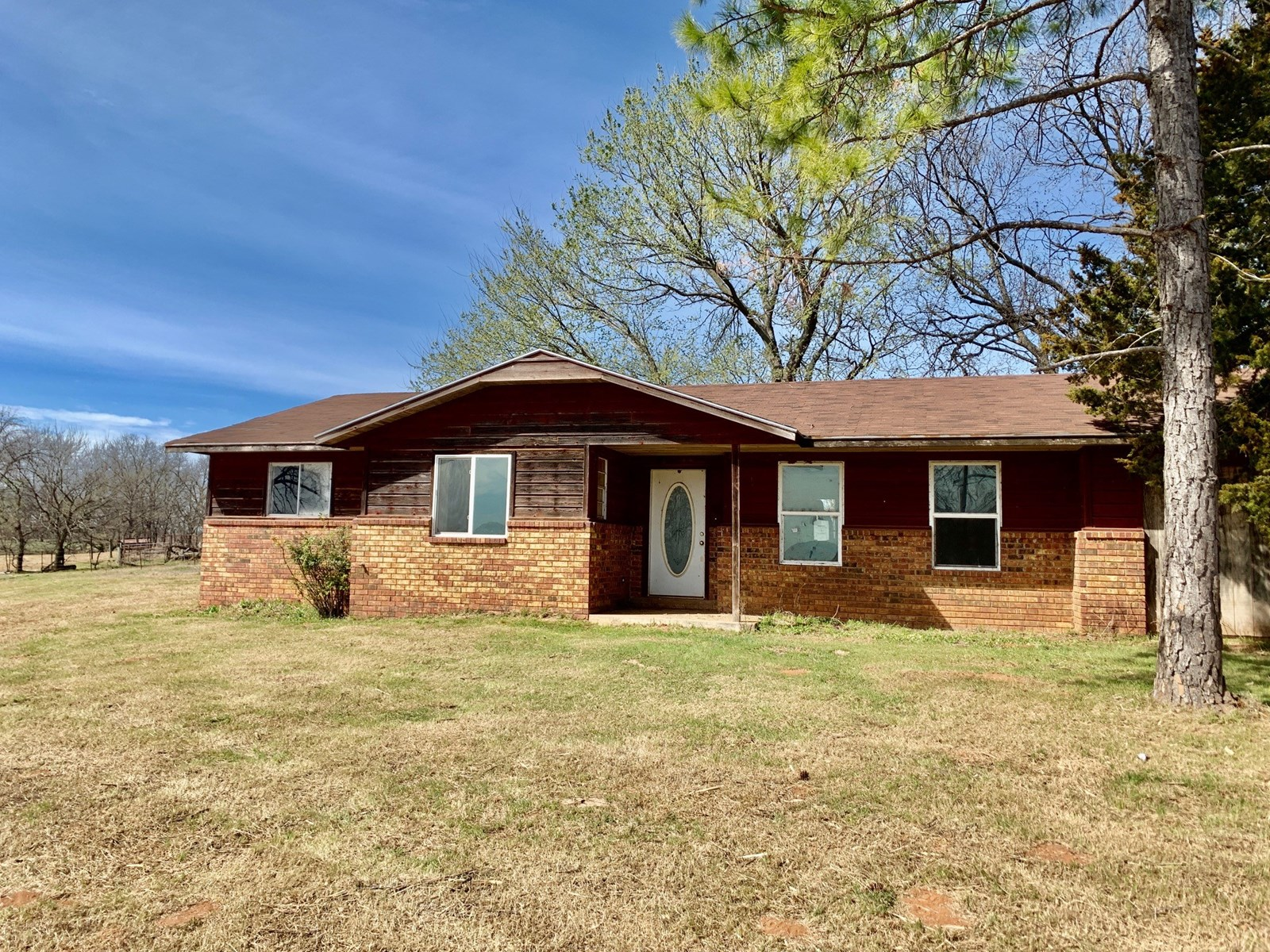 Country Home with Acreage - 5 Minutes from Pauls Valley