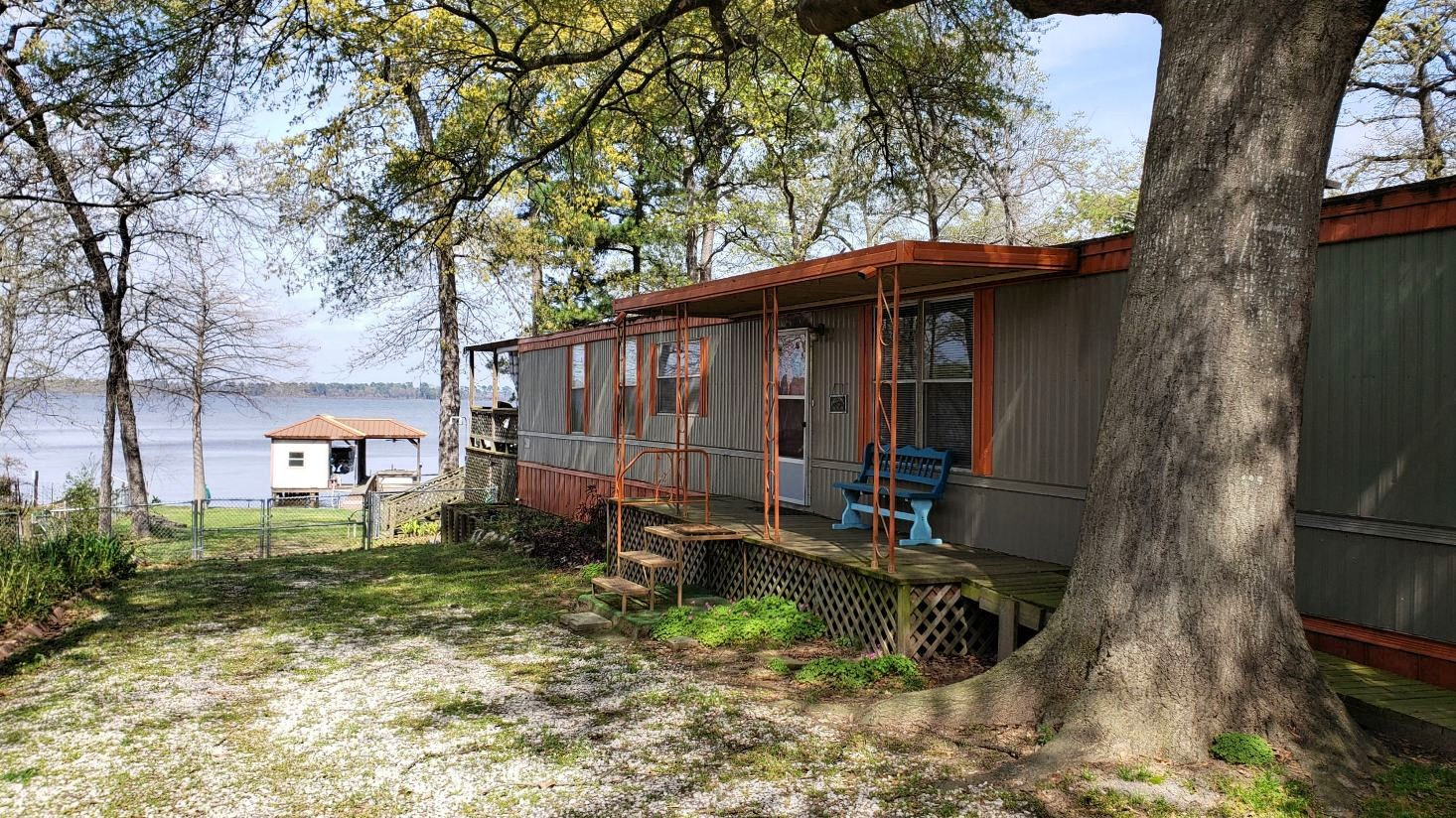VACATION WATERFRONT HOME FOR SALE LAKE PALESTINE EAST TX