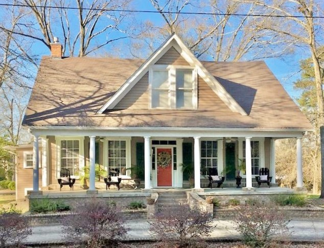 Remodeled Historic Home in Small Town, Summit, Pike Co, MS