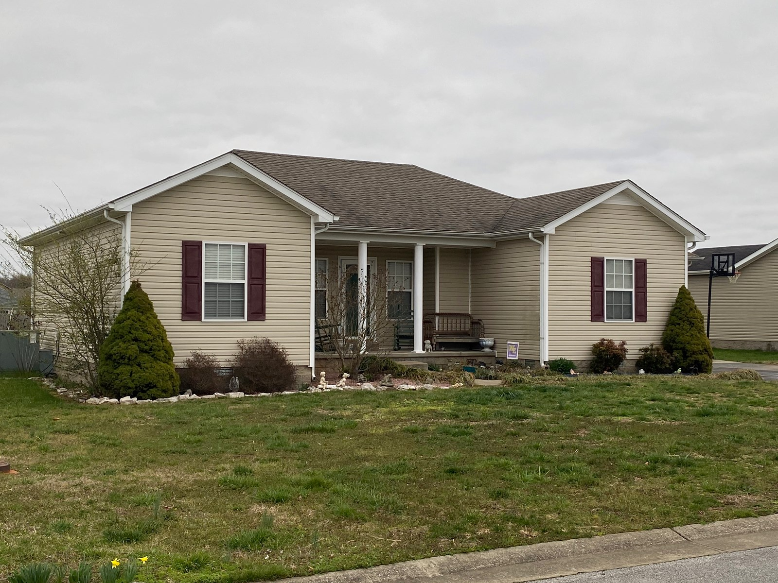3 Bedroom 2 Bath home for sale near Bowling Green Kentucky