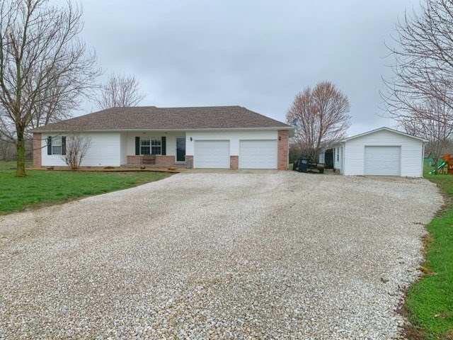 Beautiful Updated Country Home on 2 +/- Acres in Bolivar, MO
